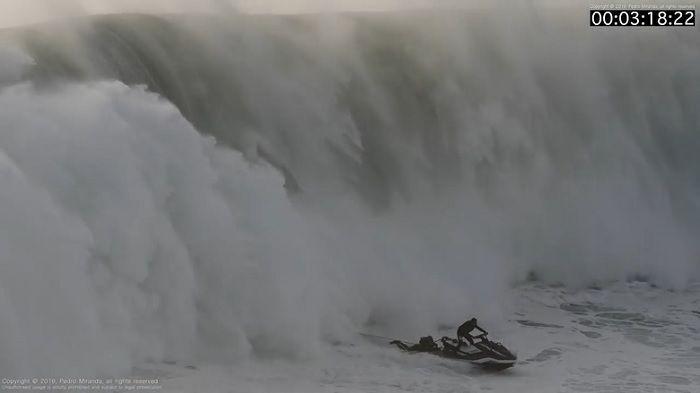 Nazare-Rescue